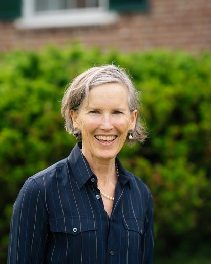 Headshot of Ann Bracken.